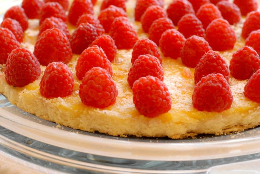 Dishing Out Recipes: Lemon Créme Brûlée Tart with FreshRaspberries