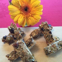 Dishing Out Recipes: Sugar-Free & Gluten-Free Granola Bars